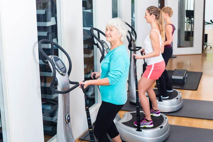Übungen regelmäßig und stehend durchführen